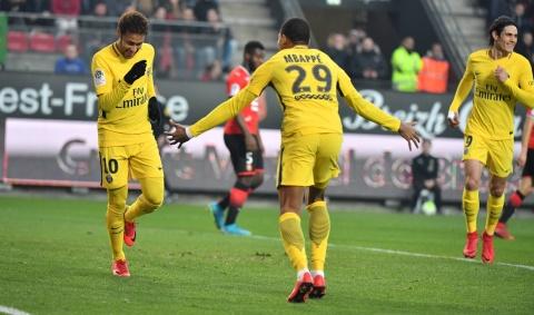 Neymar e Mbappe ruajnë kreun