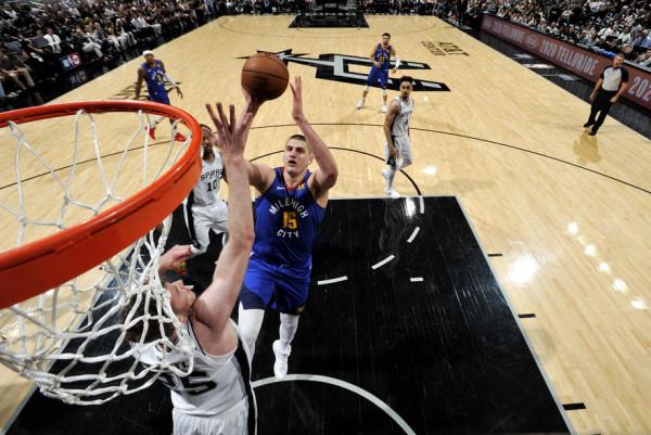 Barazohet seria në duelin Nuggets-Spurs
