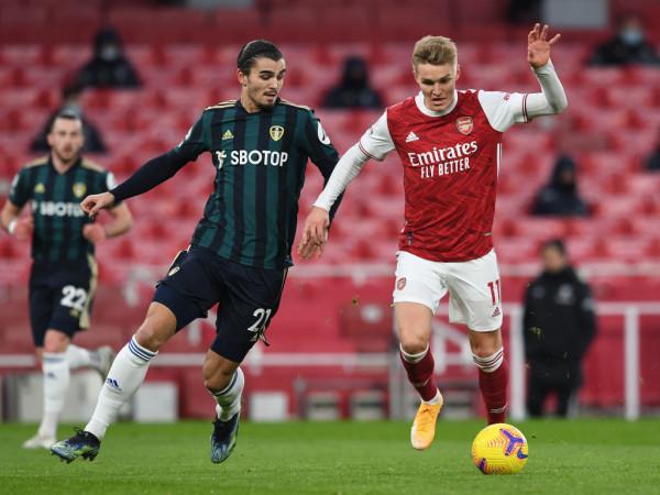 Legjenda e Arsenalit thotë se lojtarët e 'injoruan' Odegaard kundër Benfica