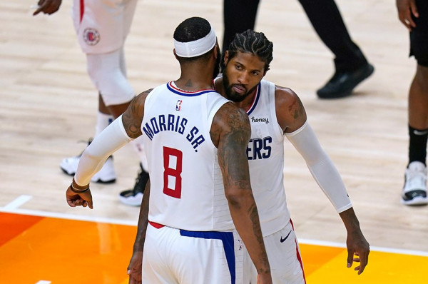 Clippers pa super yllin, i afrohet finaleve