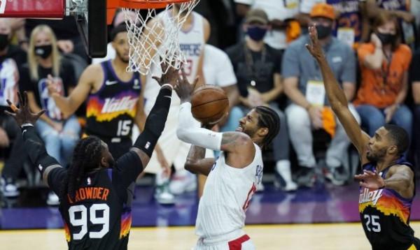Clippers s'dorëzohet, ngushtohet epërsia në seri