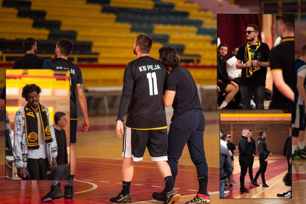 'Shqiponjat' motivojnë lojtarët e Pejës në stërvitje