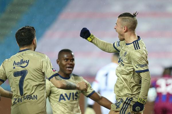 Fenerbahçe fiton derbin ndaj Trabzonsporit