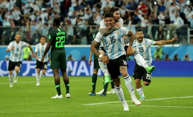 Shpëtimtari Rojo, Argjentina kualifikohet