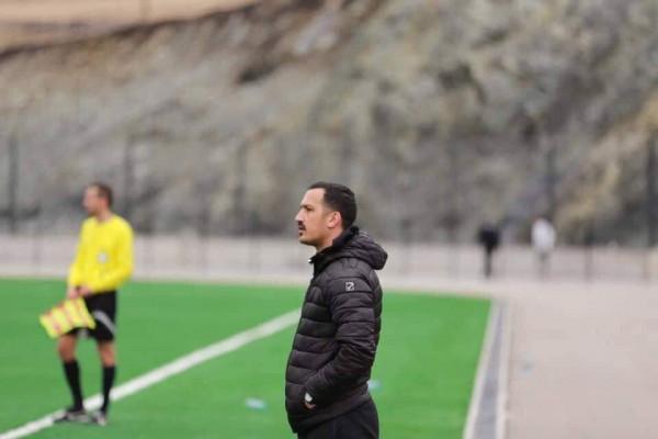 Përkundër se bashkëkryesojnë ligën, ndahen me trajnerin