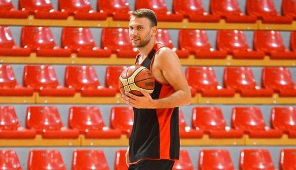 Maqedonia mbetet edhe pa një lojtar