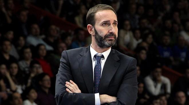 Barcelona zyrtarizon trajnerin e ri