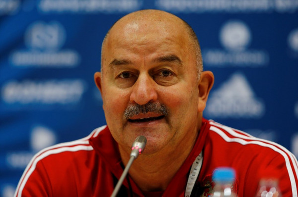 Rusia shkarkon trajnerin
