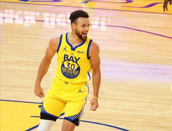 Curry i pakapshëm, me statistika mahnitëse sot