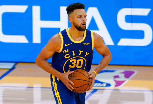 40 pikë, 10 treshe, Curry shkëlqen
