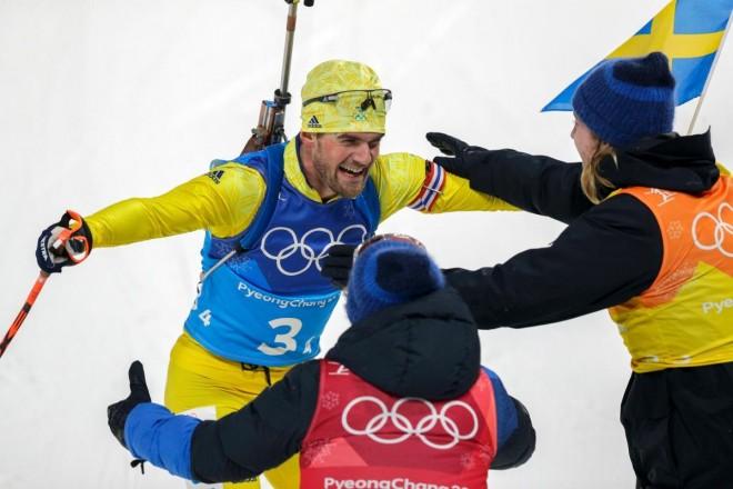 Suedezët kampion në biathlon