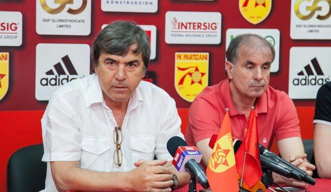 Edhe Feronikeli me trajner nga Shqipëria