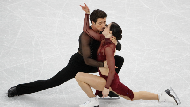 Ditari Olimpik nr.12 – Arti mbi akull