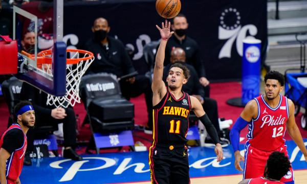 Young në formë, Hawks fillon gjysmëfinalet me fitore