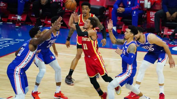 Hawks barazon serinë, shpëton në fund