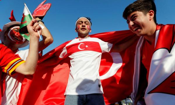 Formacionet zyrtare: Turqia - Uellsi