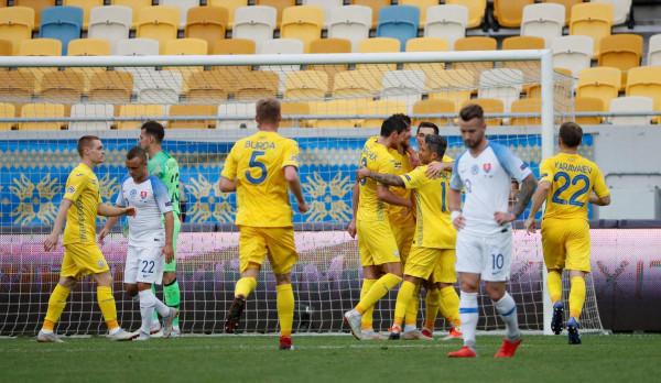 Ukraina e Danimarka kualifikohen në Ligën A
