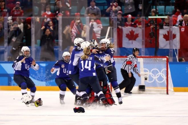 Amerikanet kampione në hokej mbi akull