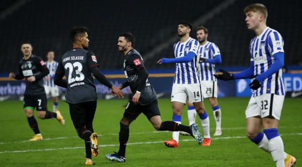 39 minuta për Rashicën, Werderi ngritet