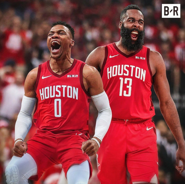 Westbrook shkëmbehet në Houston