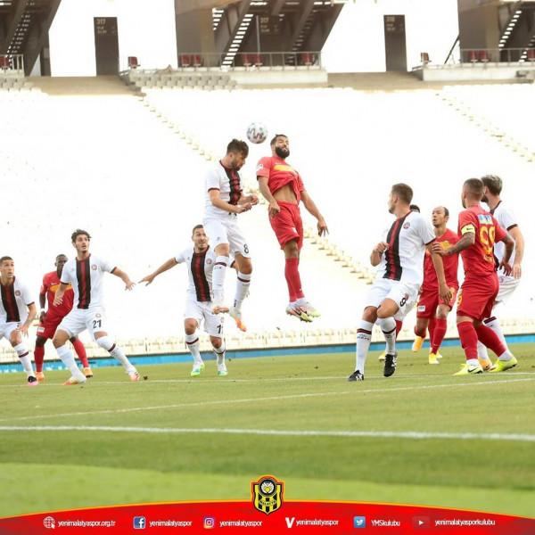 Topalli debuton me humbje në Superligën Turke