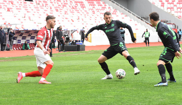 Bytyqi shënon golin e parë me Konyasporin
